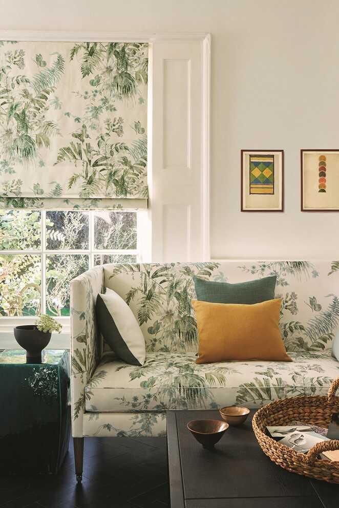 Grønmønstrede liftgardiner til matchende møbelstof