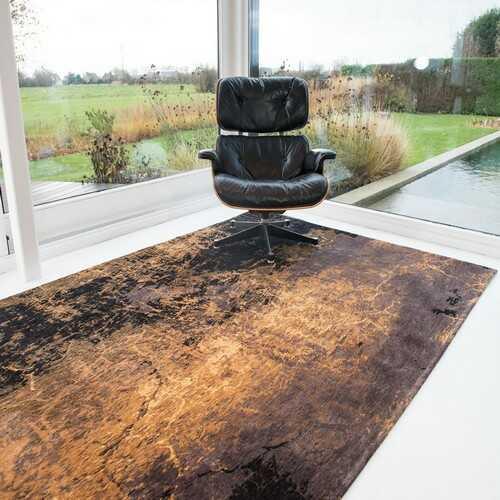 Rustfarvet tæppe
