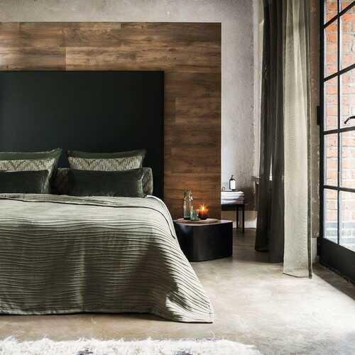 Smukt væg til væg tæppe i soveværelse